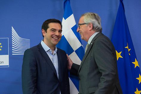 Alexis Tsipiras kaj Jean-Claude Juncker