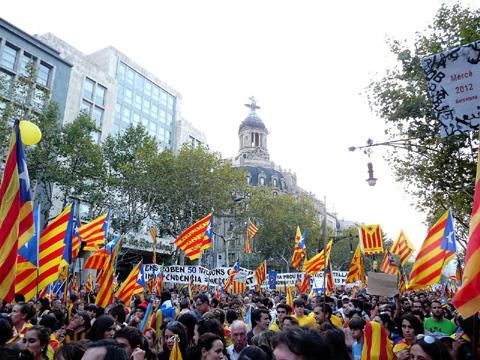 Laŭ EP-vicprezidanto, milionoj povas protesti, sed finfine ili ne plu protestos ĉar ili devos manĝi. (Foto de Pere prlpz, Vikipedio)