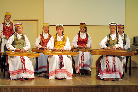 Koncertas kanklista ensemblo (Fotis Halina Gorecka)
