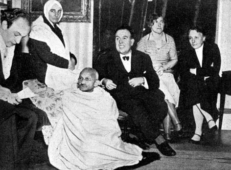 Privat kaj Gandhi